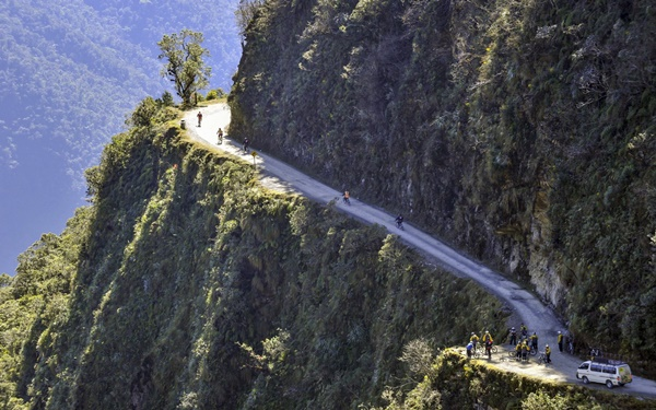 Most Amazing Roads to Drive once in a Lifetime23