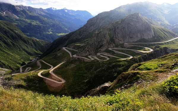 Most Amazing Roads to Drive once in a Lifetime24