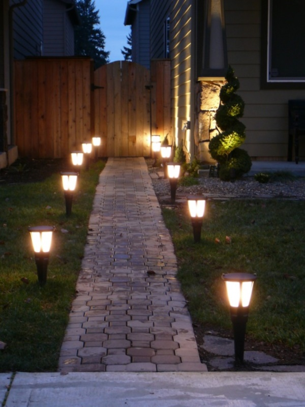 50 Lovely House and Outdoor Lighting Ideas0051