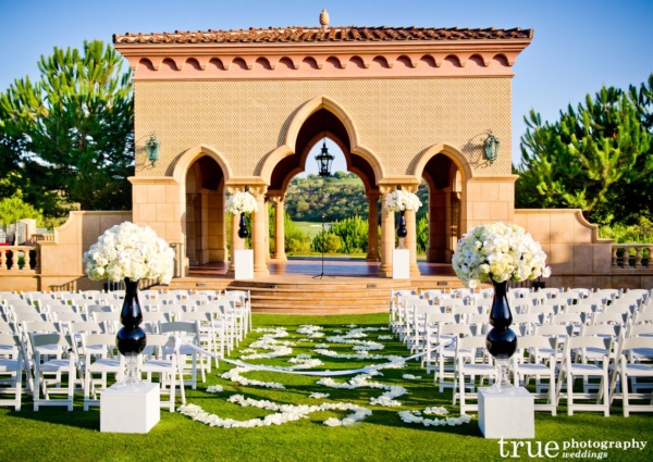 50 Romantic Wedding Decoration Ideas0131