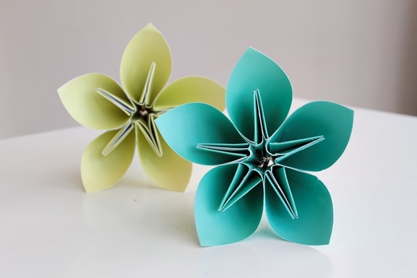 Creative and Useful paper flower Ideas0181