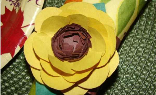 Creative and Useful paper flower Ideas0251