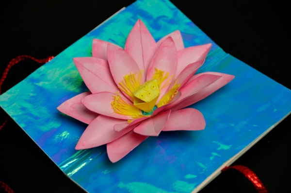 Creative and Useful paper flower Ideas0321