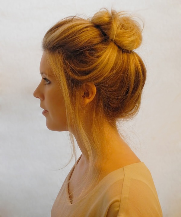 50 Cute Top Knot Bun Hairstyle Outfit Combos