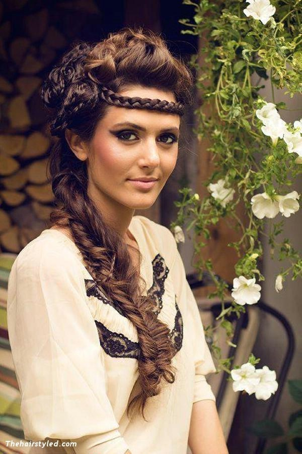 Cute braided hairstyles for long hair (30)