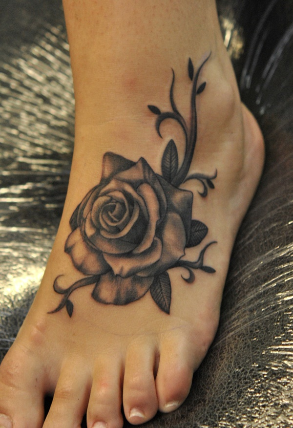 Latest 55 Beautiful Foot Tattoo Designs For Girls0081