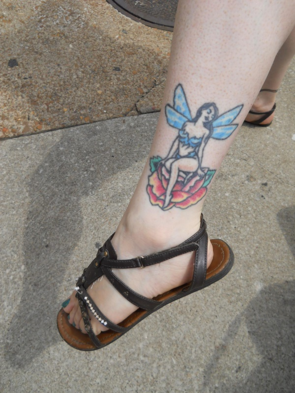 Latest 55 Beautiful Foot Tattoo Designs For Girls0191