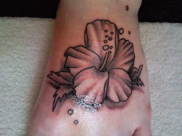 Latest 55 Beautiful Foot Tattoo Designs For Girls0261