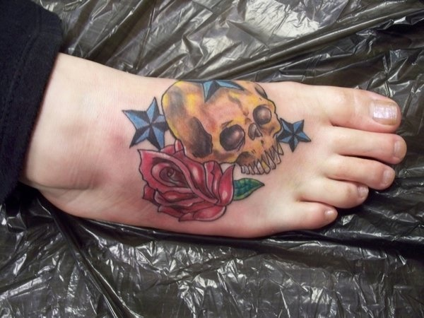 Latest 55 Beautiful Foot Tattoo Designs For Girls0441