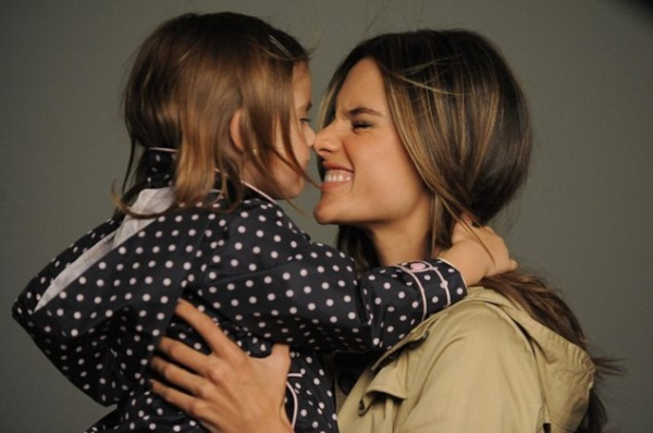 50 Adorable Mother Daughter Pictures0071