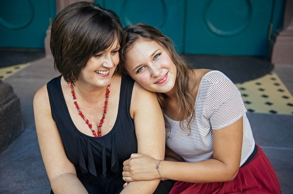 50 Adorable Mother Daughter Pictures0381