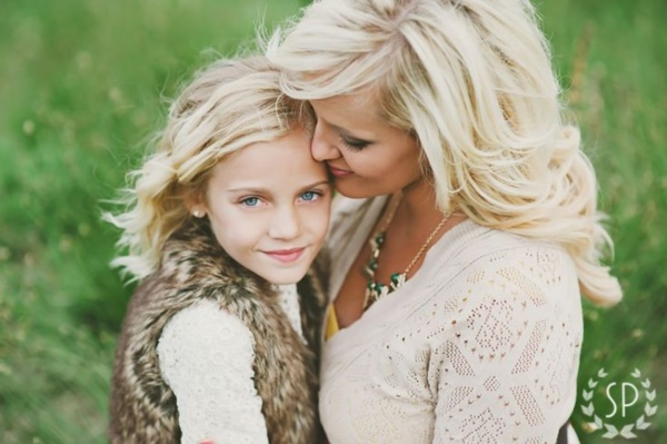 50 Adorable Mother Daughter Pictures0441