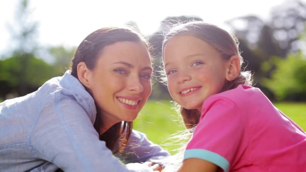 50 Adorable Mother Daughter Pictures0511