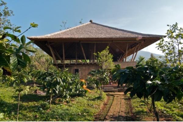 50 Breathtaking Bamboo House Designs0181