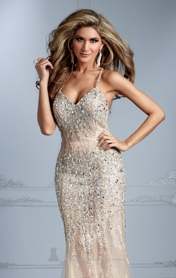 50 Gorgeous Prom Dresses to Rule the Party0111