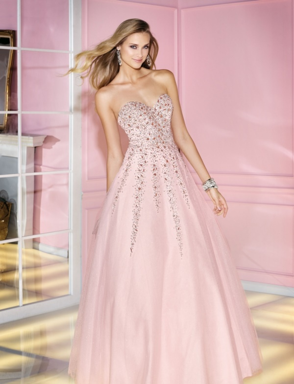 50 Gorgeous Prom Dresses to Rule the Party0361