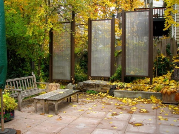 Beautiful and Safe garden privacy ideas0331