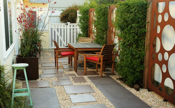 Beautiful and Safe garden privacy ideas0341