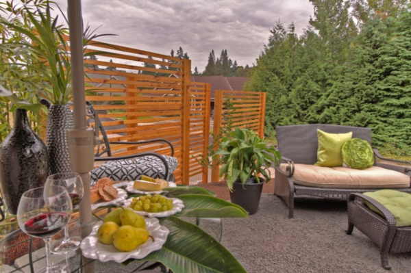Beautiful and Safe garden privacy ideas0351