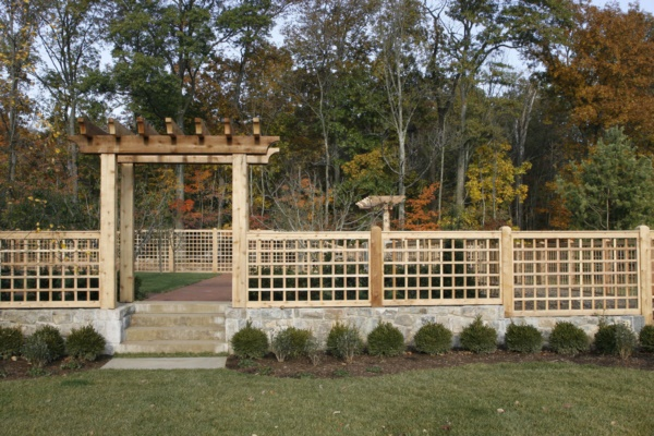 Beautiful and Safe garden privacy ideas0381