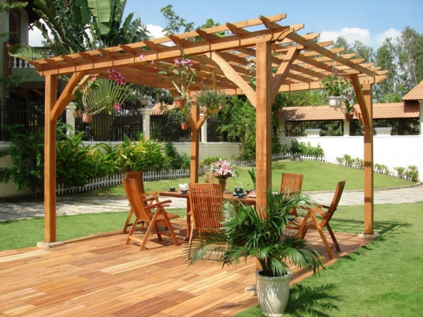 Beautiful and Safe garden privacy ideas0411