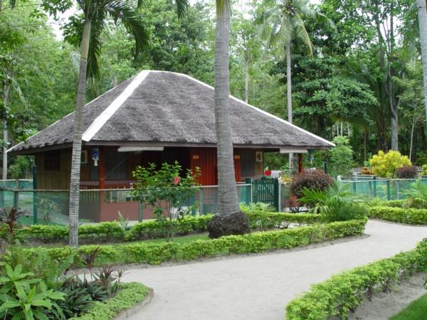 bamboo houses0011