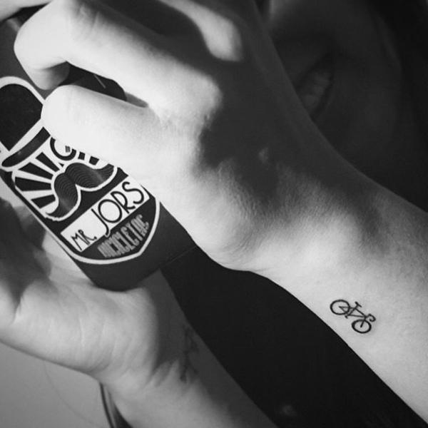 40 Cute Tiny Tattoo Ideas For Girls 31