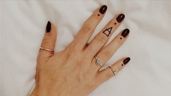 40 Cute Tiny Tattoo Ideas For Girls 41