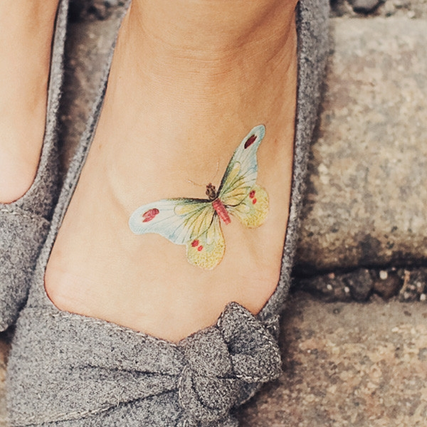 40 Cute Tiny Tattoo Ideas For Girls 8