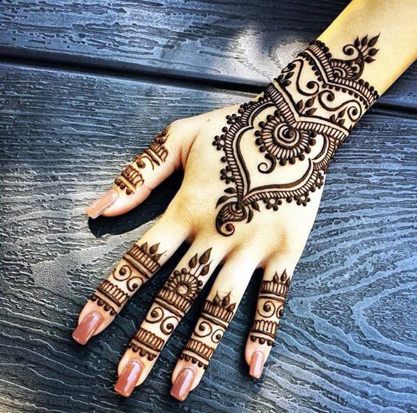 Beautiful Mehandi Designs For Weddings (22)