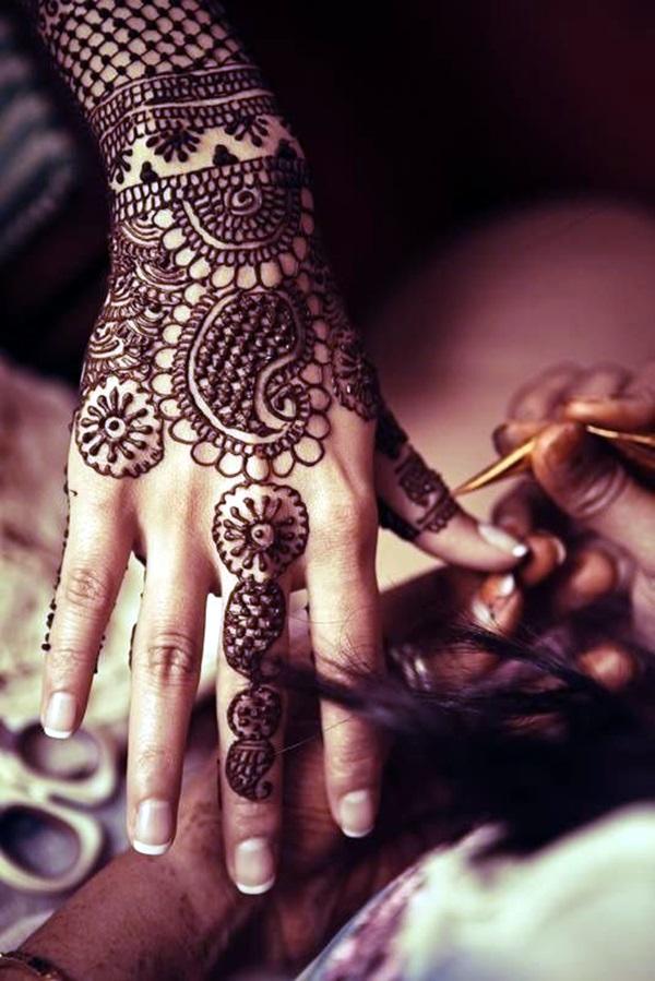 Beautiful Mehandi Designs For Weddings (3)