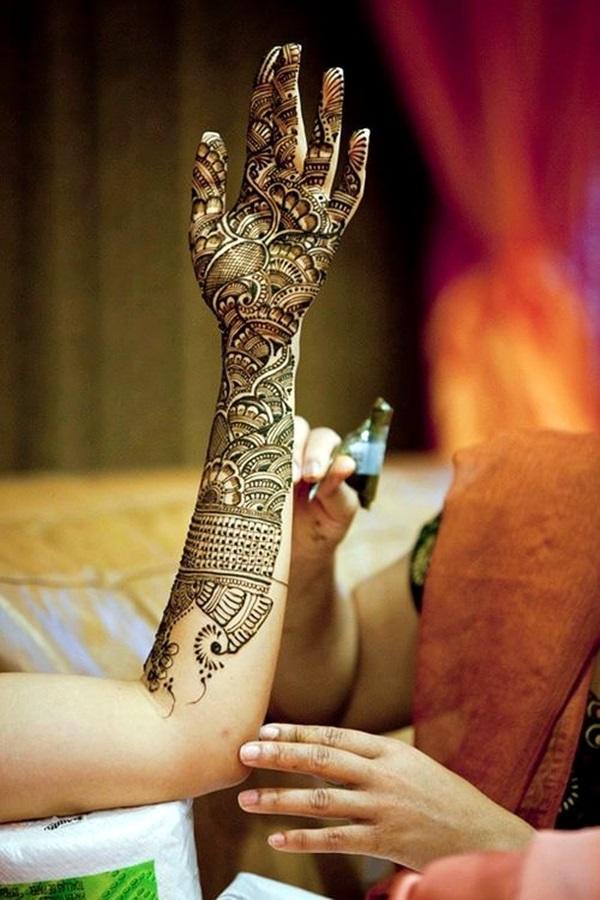 Beautiful Mehandi Designs For Weddings (31)