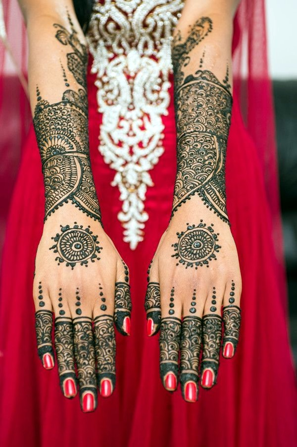 Beautiful Mehandi Designs For Weddings (32)