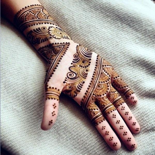 Beautiful Mehandi Designs For Weddings (36)