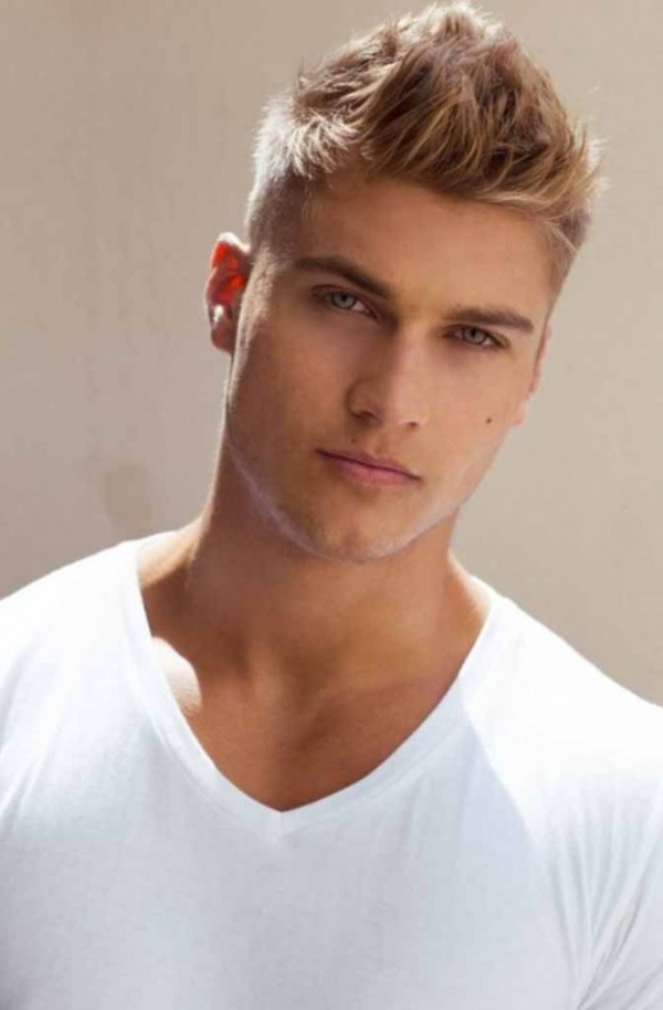 Charming Hairstyles for Teen Boys (37)