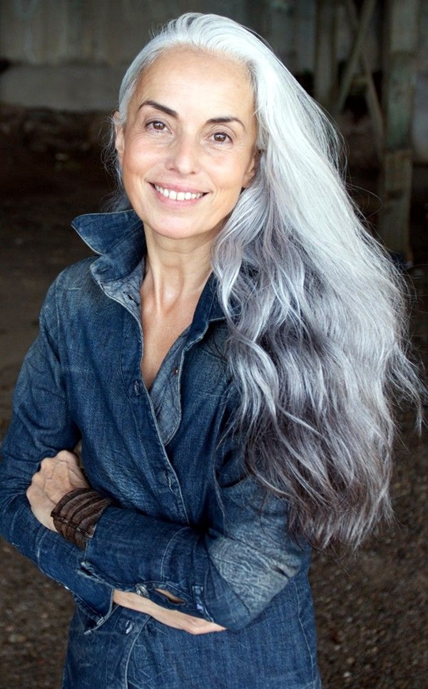 Simple and Beautiful Hairstyles For Older Women (1)