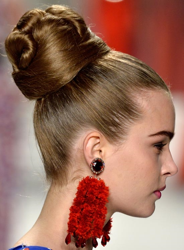 Simple and Sexy Hairstyle for Teen Girls -14