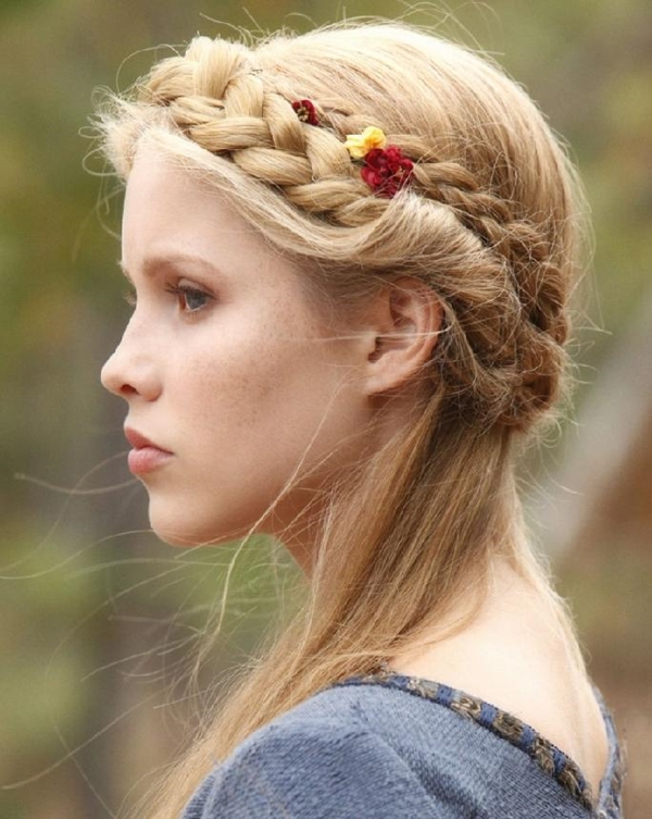 Simple and Sexy Hairstyle for Teen Girls -19