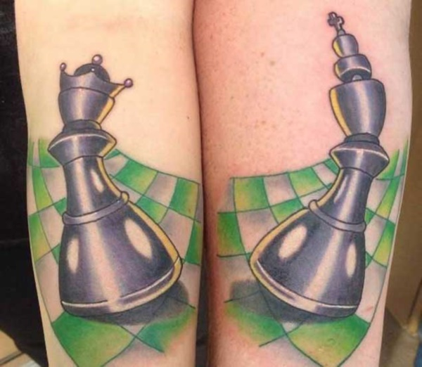 Cute king and queen tattoo for couples0041