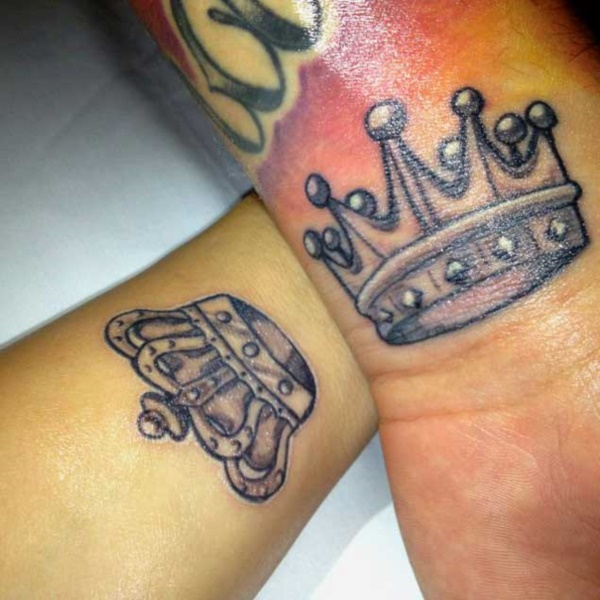 Cute king and queen tattoo for couples0191
