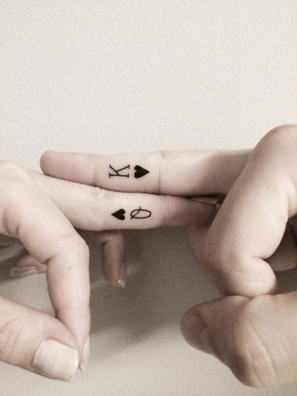 Cute king and queen tattoo for couples0351