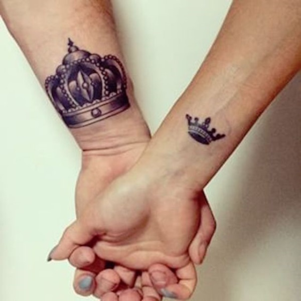 Cute king and queen tattoo for couples0391