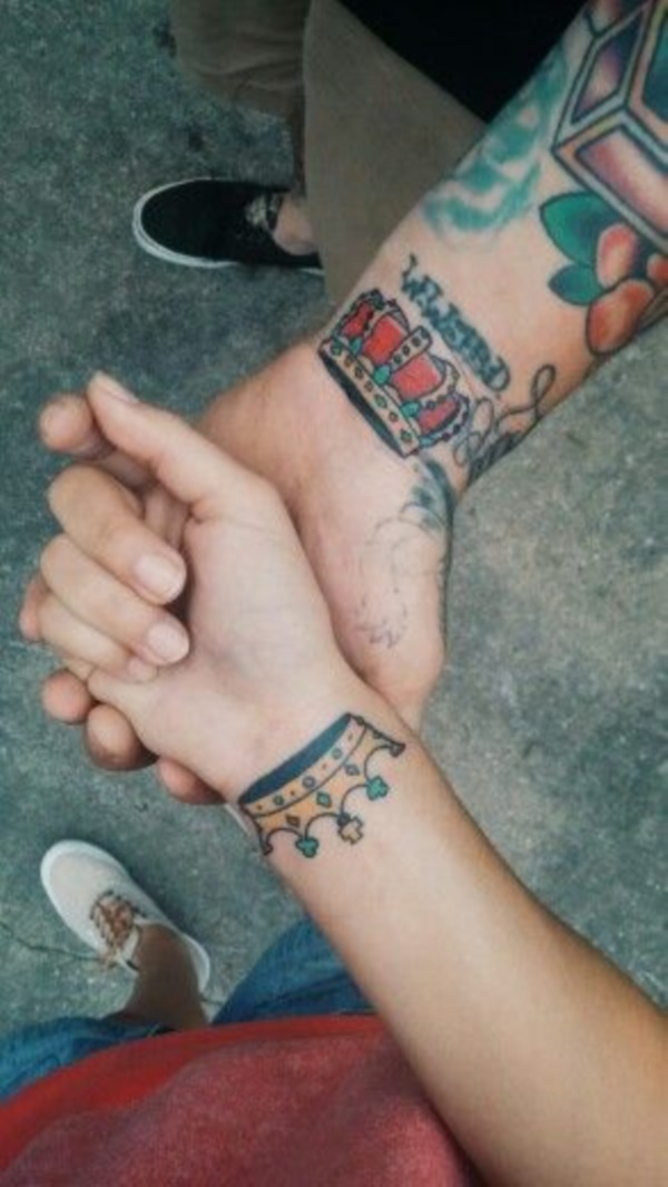 Cute king and queen tattoo for couples0411