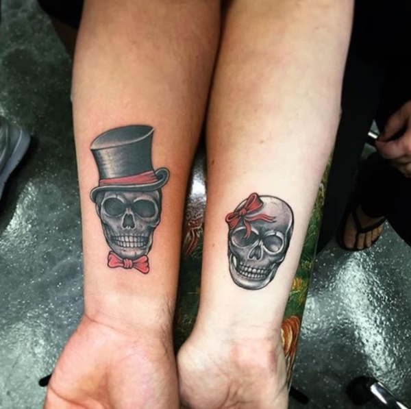 Cute king and queen tattoo for couples0011