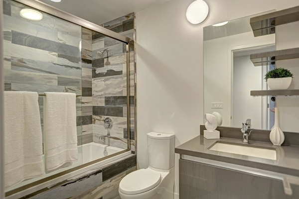 Perfect Bathroom Remodel Inspirations You Need Right Now - 32