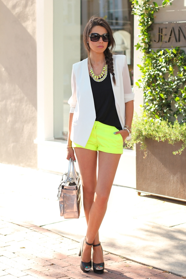 Unbounded and Hot Looks in Shorts to Acquire17