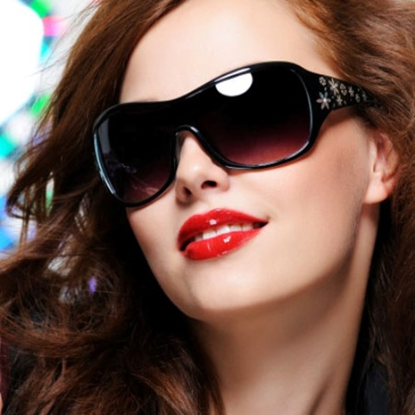 Genuinely Helpful Sunglass Face Shape Guides - 11