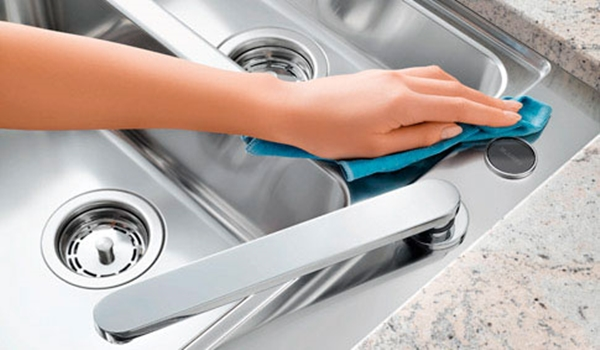 25 Powerful Ways to Deep Clean Your House - 17