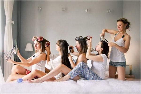 40 Silly yet Beautiful Best Friends Picture Ideas - 12