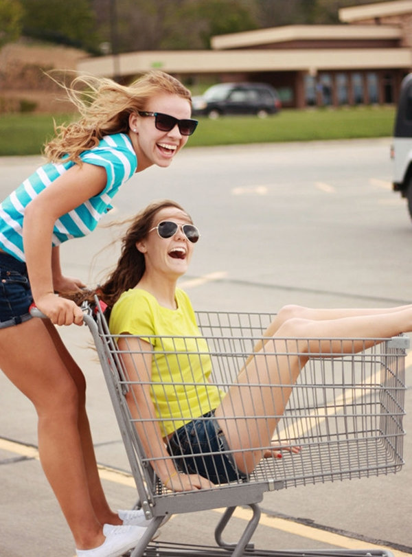 40 Silly yet Beautiful Best Friends Picture Ideas - 14